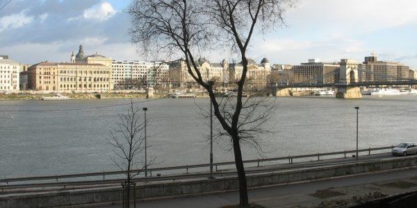 dunapart-budapest-batthyany-ter-I.-buvohely-randikucko-talalkahely-lakas-orara-01